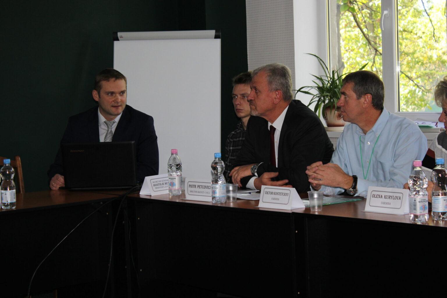 Експерти КНДІСЕ відвідали Республіку Молдову з метою участі в круглому столі з питань експертизи документів