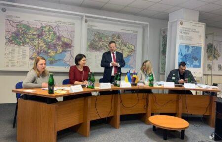 Київський НДІСЕ привітали колег Науково-дослідного центру судової експертизи з питань інтелектуальної власності з 15-річчям