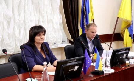 Експерти КНДІСЕ Ольга Лукова та Роман Пасько